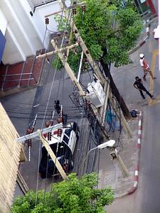 Attack on Bangkok Bank, Red Shirts #1, 19 May  2010