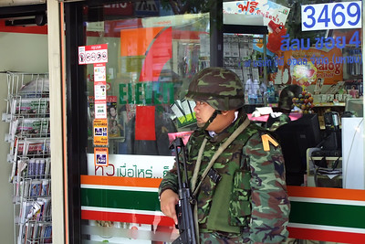 Heavily Guarded 7-11, Silom Road, Red Shirts April 2010