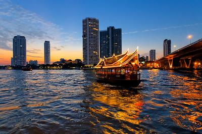 Bangkok River Blue Hour & Traditonal Style Hotel Shuttle Boat