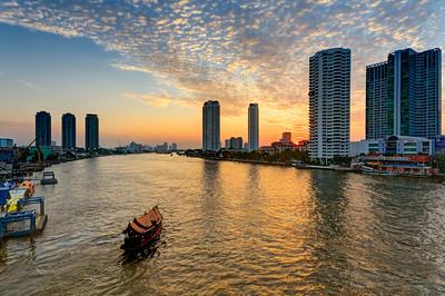 Bangkok River Golden Sunset & Hotel Shuttle Boat(s) (1)