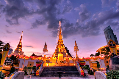 Dusk at Wat Yannawa's Boat Shaped Wiharn, Bangkok