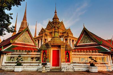 Red Door,  Wat Phra Chetuphon (Wat Po), Bangkok