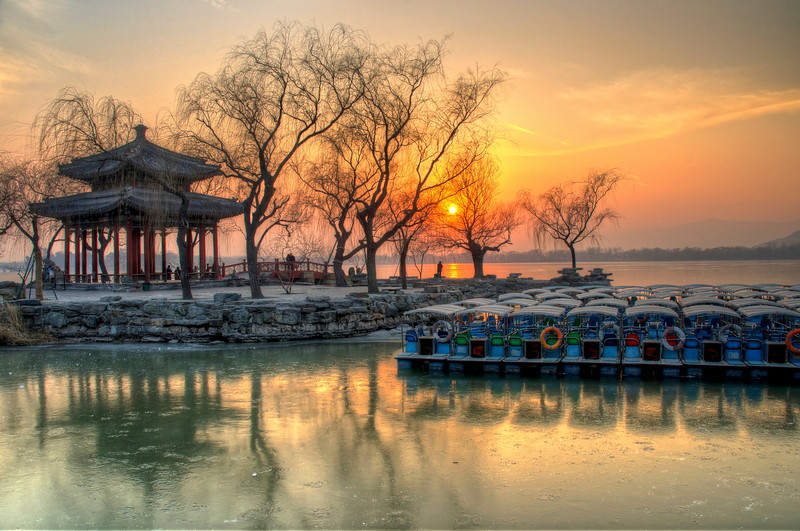 Sunset over the Kunming Lake