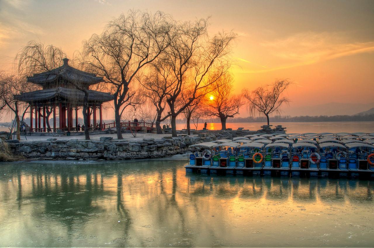 Sunset over the Kunming Lake