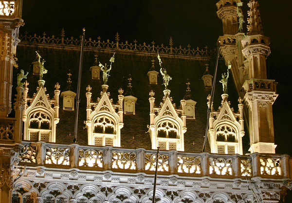 """Nocturnal view of the spires and statues atop the """"King's House"""" -also called the """"Bread House"""" - Brussels"""