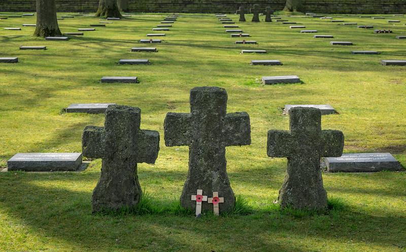 Langemark German cemetery statues