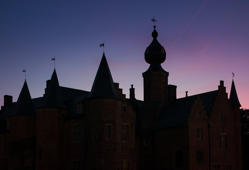 Rumbeke (Belgium) Castle in twilight