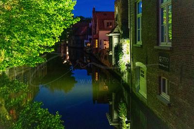 sur le canal la nuit