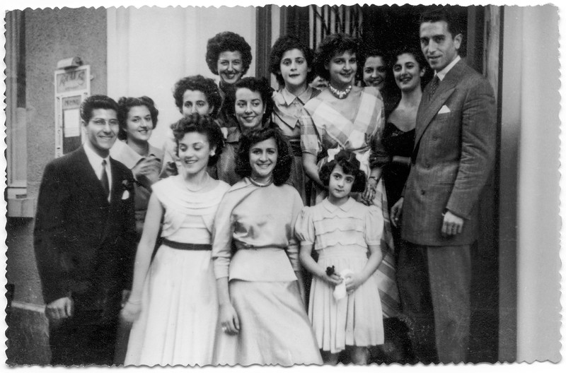 Raphaël (far right) & Lisette Bendelac (center) - 1949