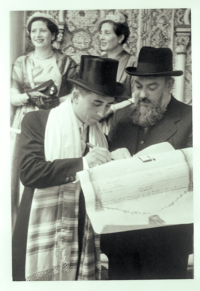 Raphaël signing the wedding contract - 1953