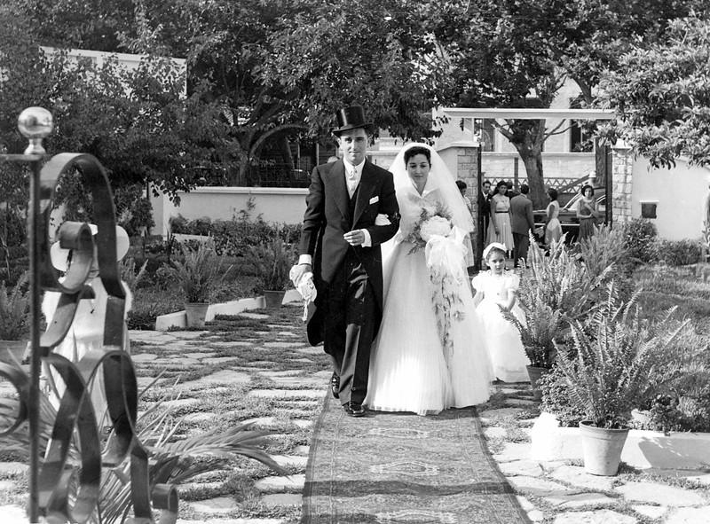 Raphaël, Alegria & Florence  in the Bendelac villa's garden