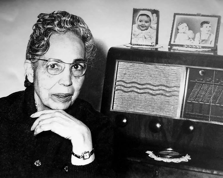 Mamé with studio photo of Mercedes atop radio