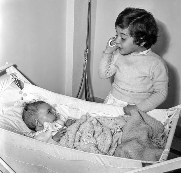 Lisita & Mercedes - April 1958