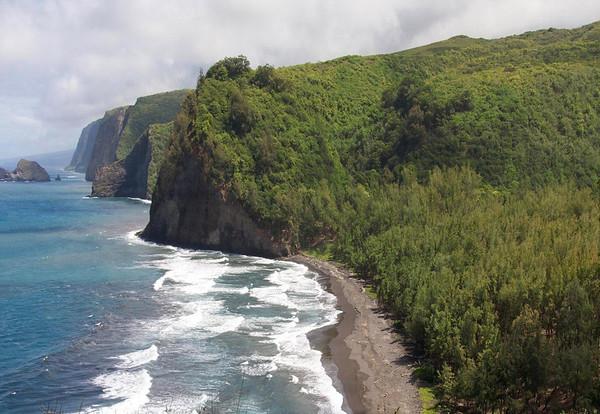 Pololu Beach - viewing southeast to the islets of Paoakalani and Pa'alalea - along the sea cliffs, where the 7 valleys of the Kohala Coast, meets the Pacific - Kohala district