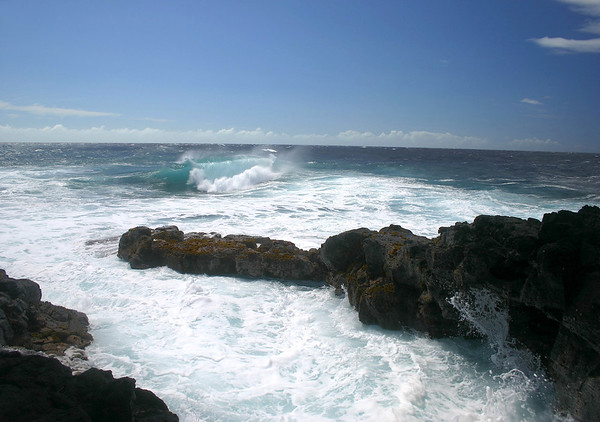 Pacific Ocean waves breaking on the shoreline of South Point - Kaʻū district