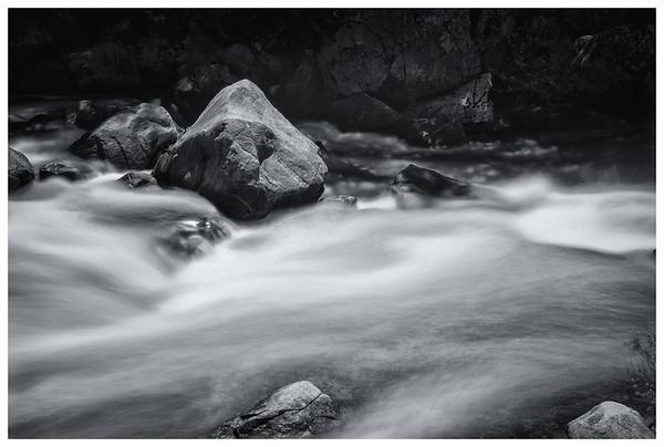 Merced_River_BW_BOR
