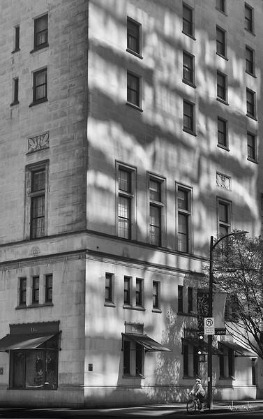 Hotel-420_S_BW_SIG