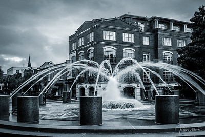 Fountain B&W