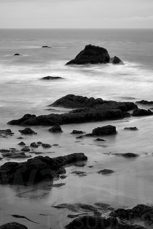 Rocky Shore 006 | Wall Art Resource