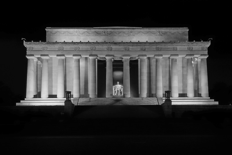 B&W of Lincoln Memorial 01
