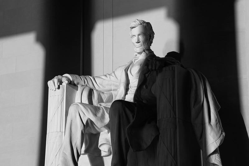 Lincoln Memorial statue 01