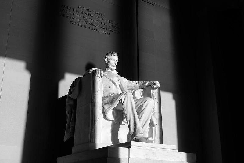 Lincoln Memorial statue 02