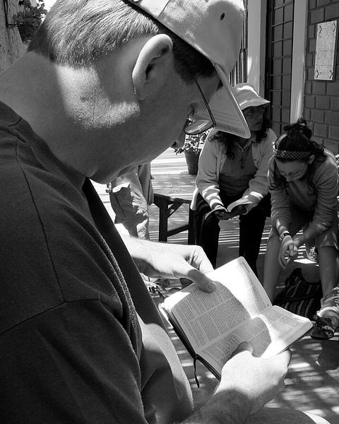 Dana Reading Bible Bella Union, Peru