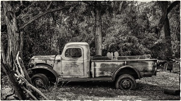 Old truck Black and White