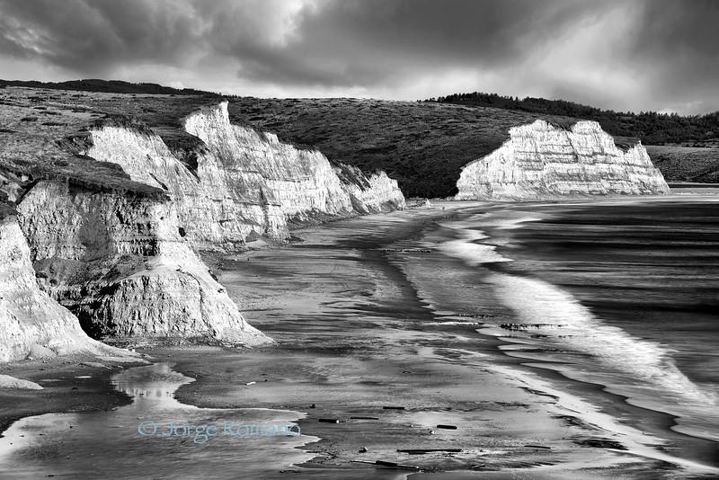 cliffs by  the  beach