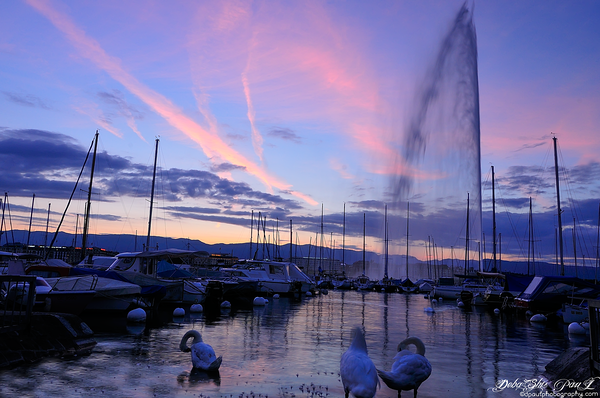 Sunset in Lake Geneva with Jet d'Eau