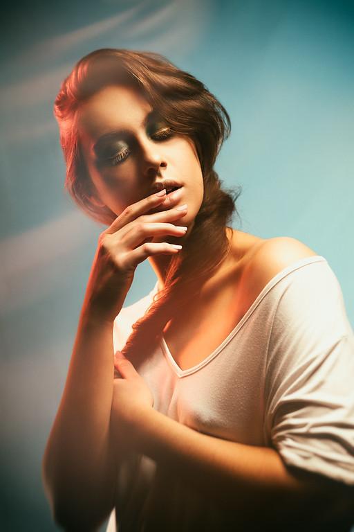 Model : Sarah Hartley