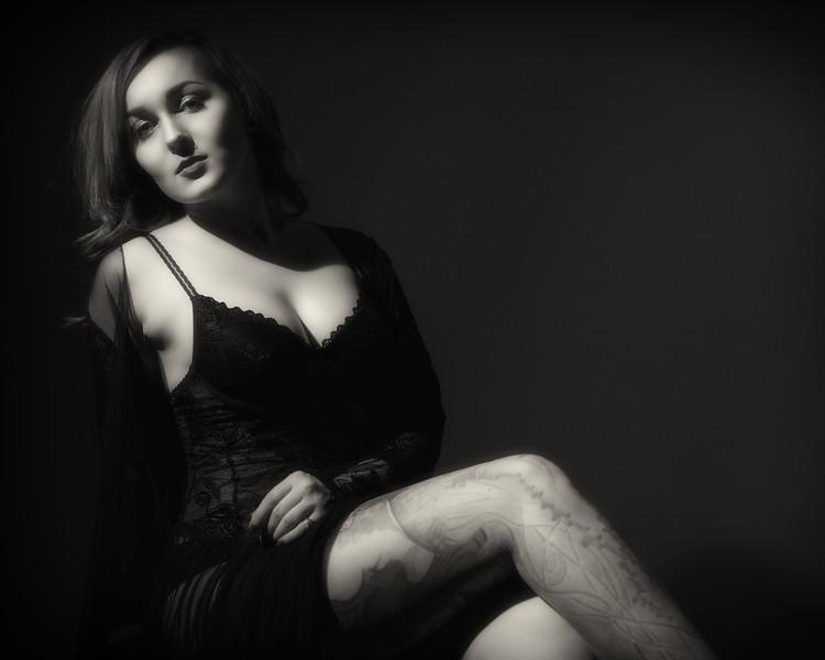 Boudoir Noir - Morgan<br /> <br /> <br /> <br /> #photographer #glamour #noir #blackandwhite #boudoirnoir #charlottephotographer #filmnoir