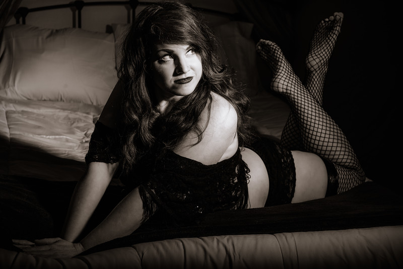 Moonkitty - Old Hollywood Glamour