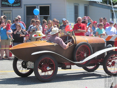 WP-Bklin-J4-Parade-Antique-Car-02-070716
