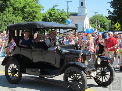 WP-Bklin-J4-Parade-Antique-Car-01-070716
