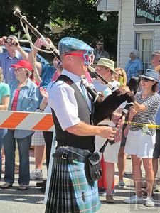 WP-Bklin-J4-Parade-Bagpipes-070716
