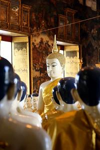 Imparting Wisdom, Wat Suthat Thep Wararam, Bangkok (3)