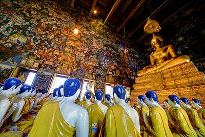 Seeking Enlightenment, Wat Suthat Thep Wararam, Bangkok (2)