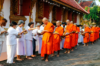 Chiang Rai, Wat Phra Sing, Temple  Procession (2)