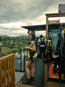 What better place to hurl oneself into thin air than New Zealand - the famed birthplace of bungy jumping? It clearly seemed a good idea to vegan University of Sydney veterinary student (and President of their Animal Welfare Society!) Siaw-Yean (Sy) Woon, in 2011.
