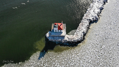 Oswego West Pierhead Lighthouse from above 2