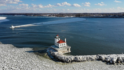 Oswego Lighthouse 7