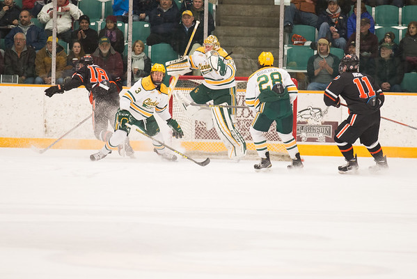 Clarkson Men's Hockey Wins 6th Straight with 5-2 Victory over Princeton