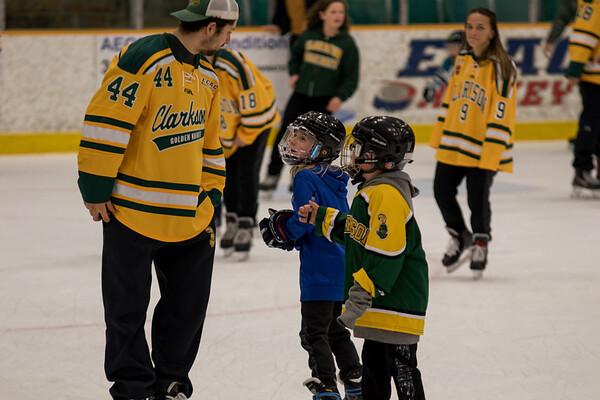 Clarkson Athletics: Hockey Skate with a Knight