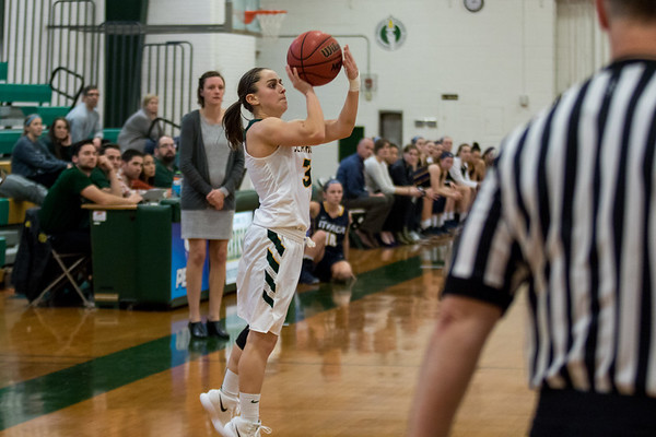 Clarkson Athletics: Women basketball vs Ithaca. Ithaca Win 79 to 77
