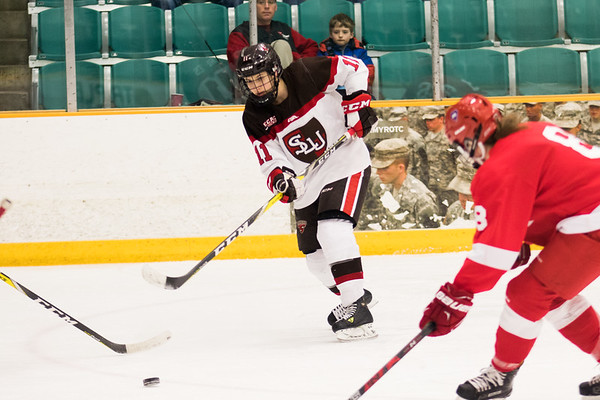 ECAC Women Hockey: St. Lawrence vs. Cornell. Cornell Win 3 to 1.