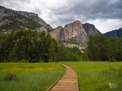 Yosemite – Toward the Falls