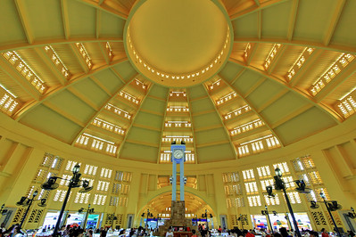 Central Market (Psah Thmay) Interior