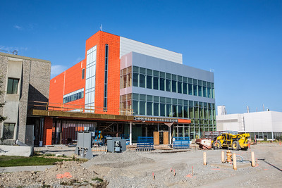 The new Life Sciences Building is under construction on UAF's West Ridge.  Filename: CAM-12-3493-15.jpg