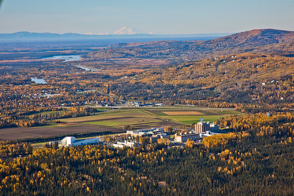 """An aerial view of the Fairbanks campus looking southwest with Mt. McKinley visible on the horizon.  <div class=""""ss-paypal-button"""">Filename: CAM-10-2870-141.jpg</div><div class=""""ss-paypal-button-end"""" style=""""""""></div>"""